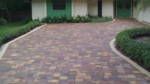 Tremron paver driveway after sealing with Seal n Lock
