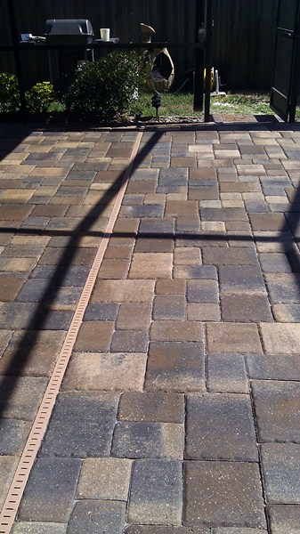 Efflorescence On Pavers Paver Sealing And Repair Seal N