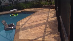 Tampa pool deck-thin Flagstone pavers sealed with Seal 'n Lock Super Wet