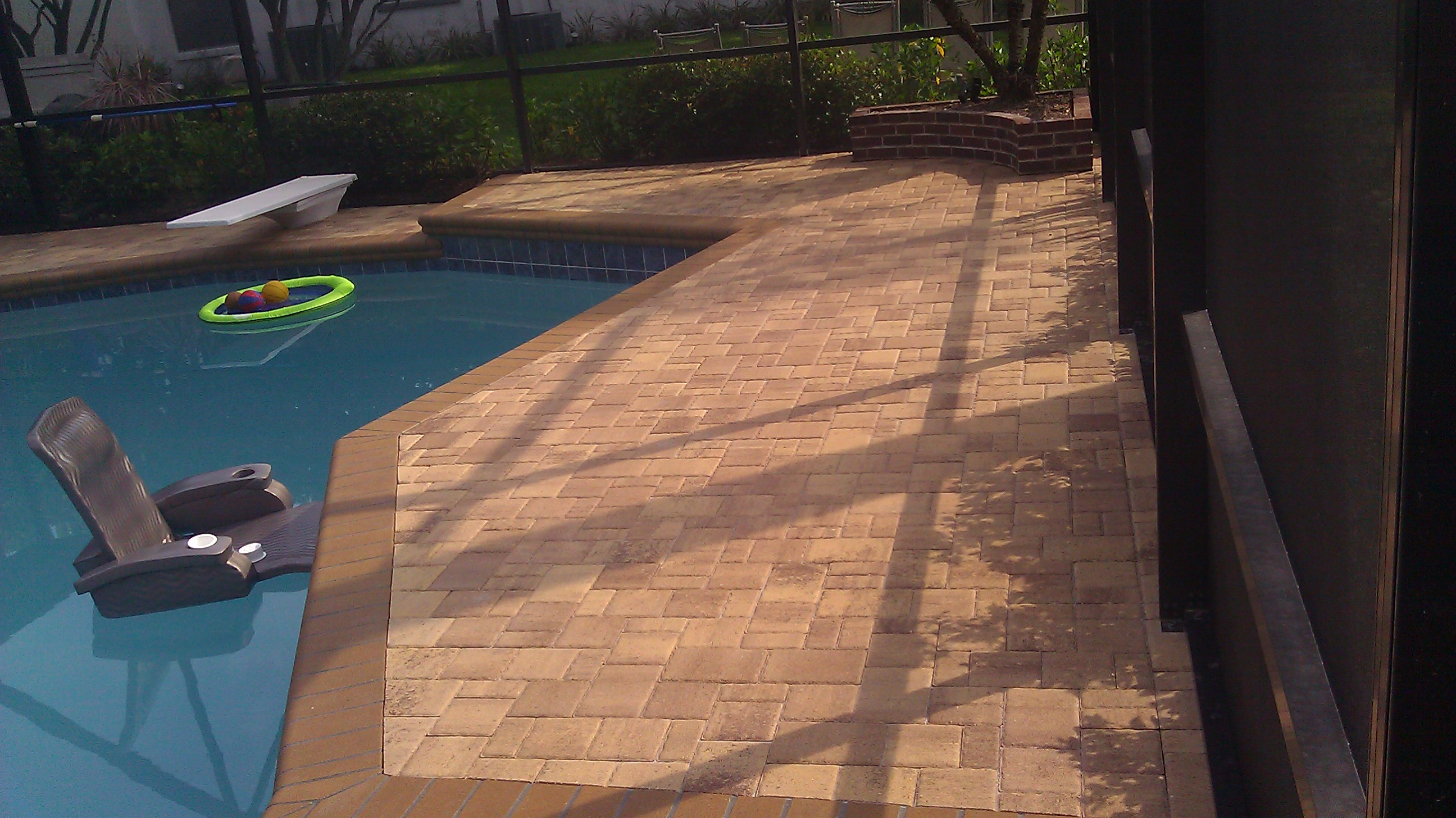 Paver sealing on good pavers and bad ones paver sealing Flagstone pavers around pool