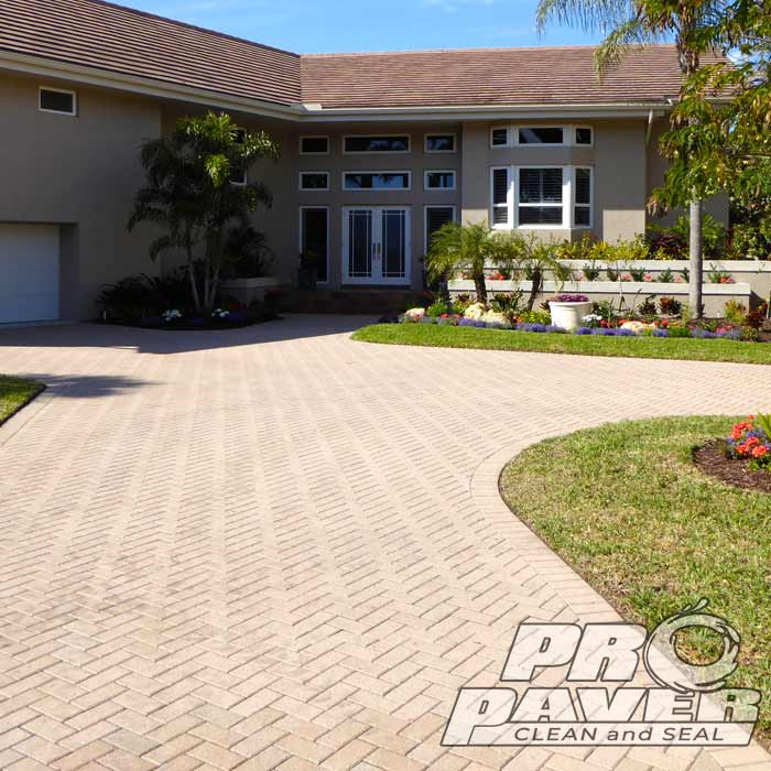 Interlocking Brick Driveway Clean and Seal